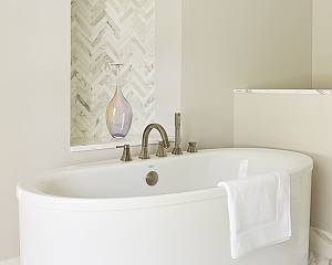 Indian-Creek-Baths/indian_creek_master_bath_03_1000x800.jpg